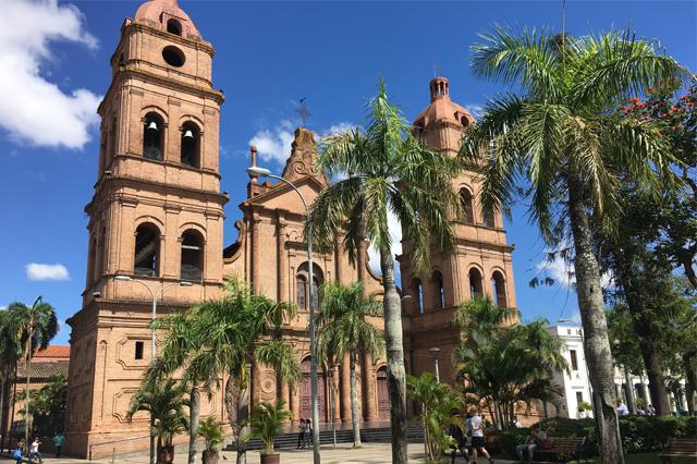 Missão na Bolívia inclui participação em Simpósio